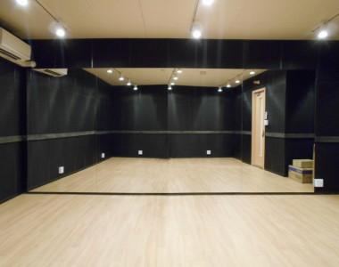 スタジオ完成写真2(姿見鏡)