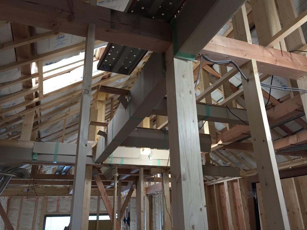 断熱材、内壁下地工事の様子